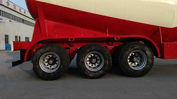 低密度粉粒物料运输半挂车 13米 73立方