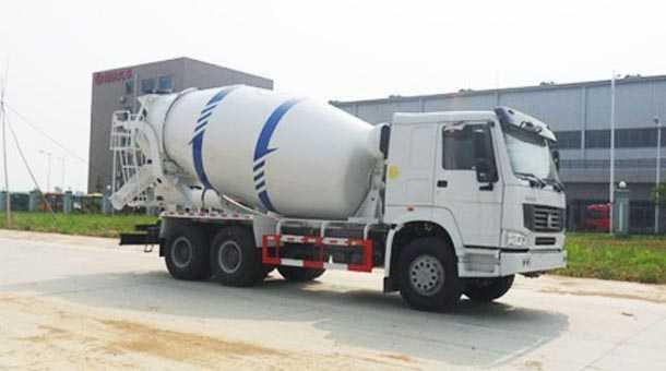 4.7立方混凝土搅拌运输车