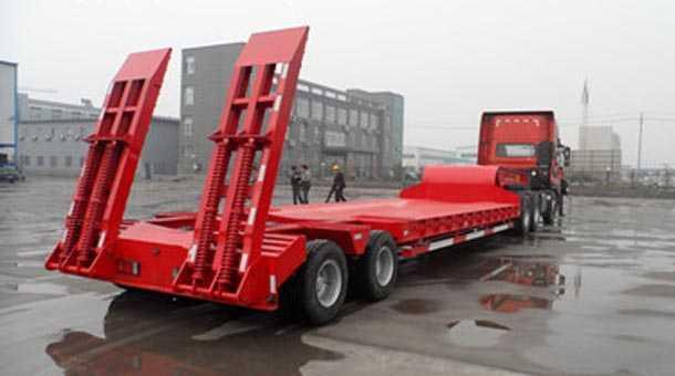 13米出口式特种低平板半挂车