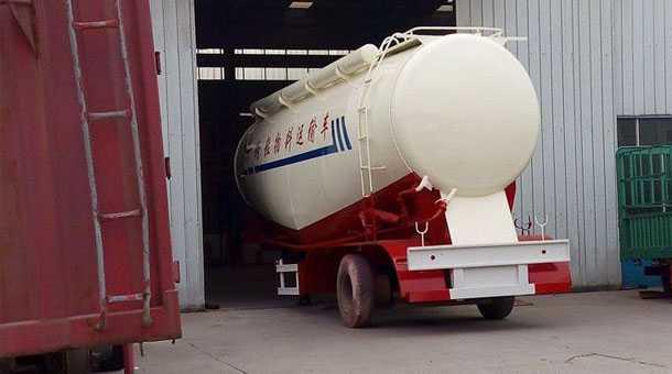 粉粒物料运输半挂车 57立方