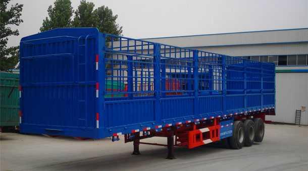 13米轻型鹅颈仓栏运输半挂车