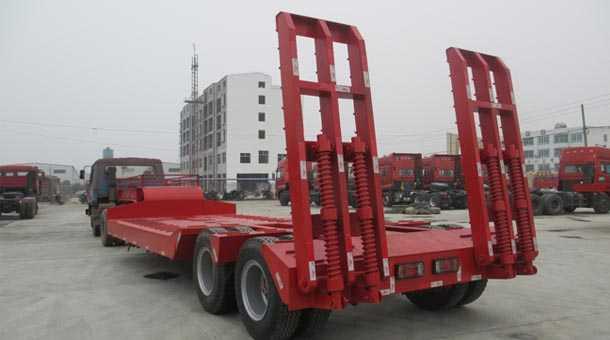 12.5米双桥挖机运输车