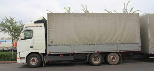 牵引货车货箱