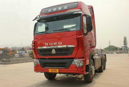 中国重汽 HOWO-T7H重卡 540马力 6X4 牵引车