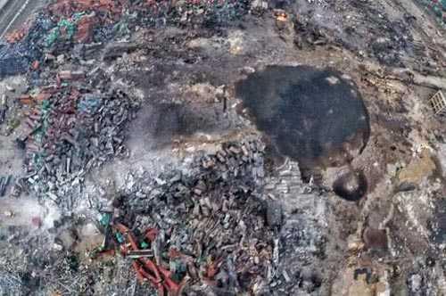 航拍天津爆炸中心现大量浑浊积水