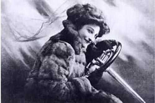 知名女赛车手Dorothy Levitt