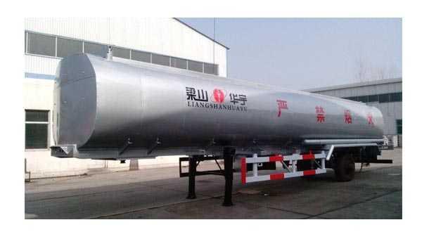 11米42立方化工原料运输车