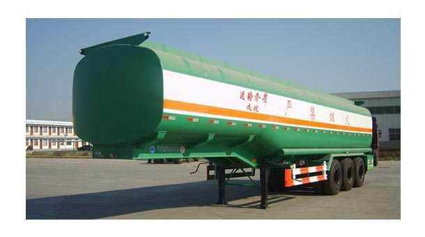 13米46.8立方化工液体运输半挂车