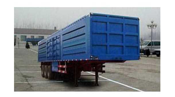 13米厢式半挂车 21.3吨