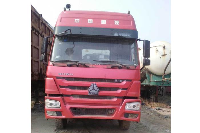 [济宁]2011年9月中国重汽豪沃2011年375马力牵引车头
