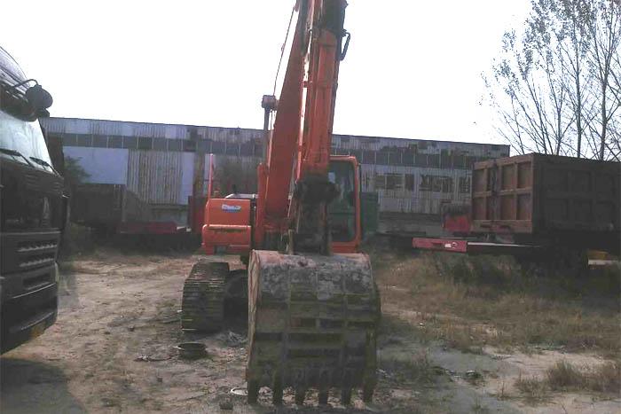 2010年大宇220挖掘机低价出售实拍图1