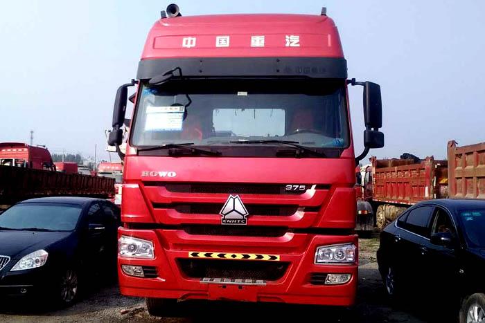 2011年中国重汽豪沃375马力双驱挂车