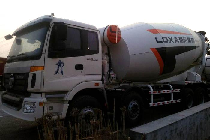 福田欧曼375马力18立方水泥搅拌罐车 国四实拍图1