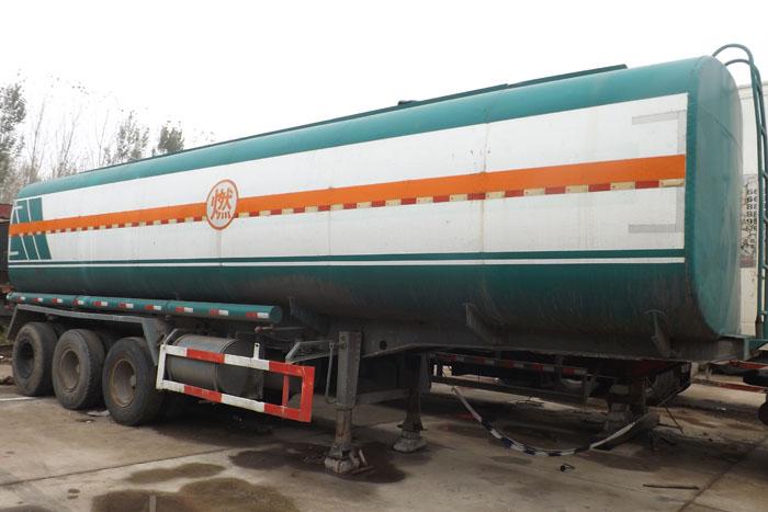 低价出售2014年47立方运油罐车实拍图2