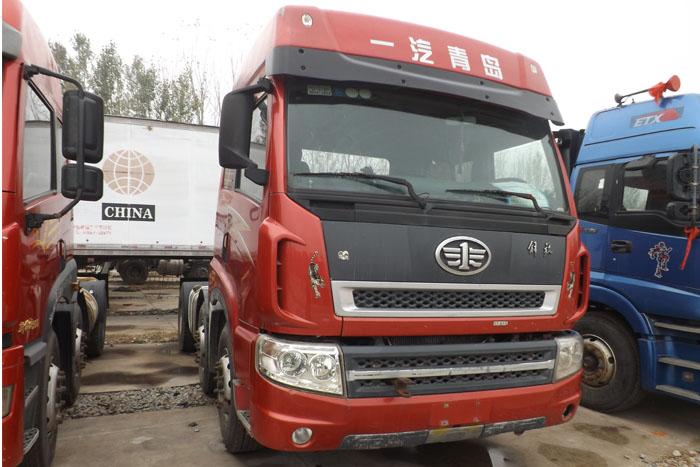 2011年一汽青岛340马力牵引车