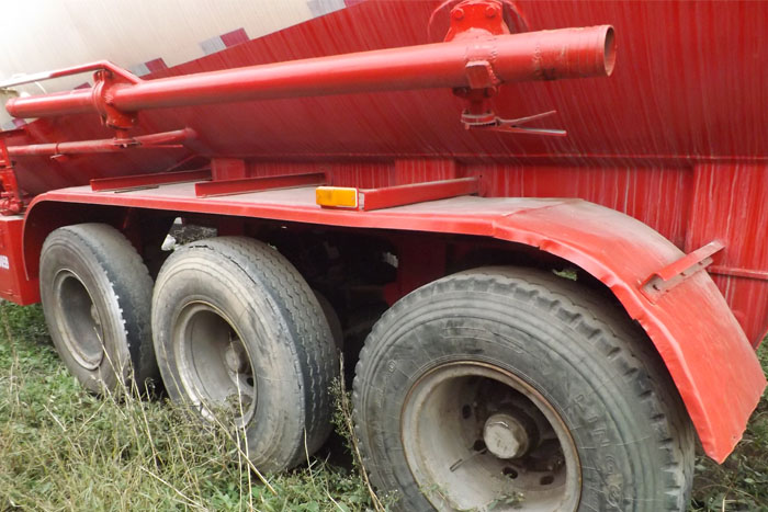 2013年45立方散装水泥罐车 有手续实拍图3